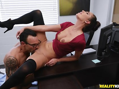 Milf knows how to do business at work