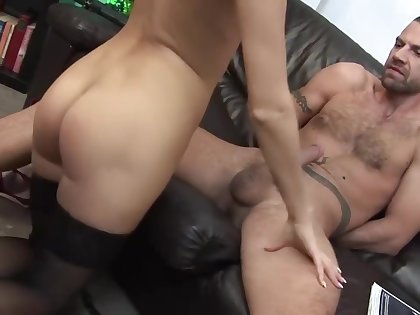 Mom In Law Stepsis And Sons Friend Tyler Faith, Lucky Jerks Off Him