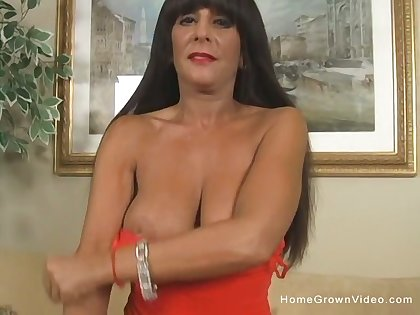 Unconstrained amateur MILF with big pair gets fucked not far from the ass