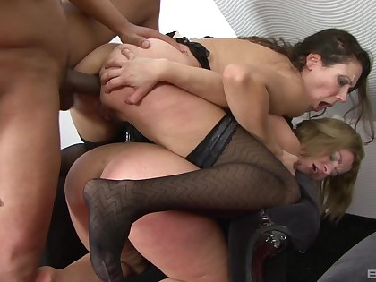 Photocopy penetration gangbang with sluts Reka Gabor and In flames Demon