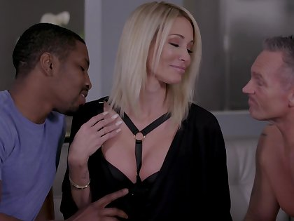 Insatiable blonde Jessica Drake gets intimate with two lovers at the same time