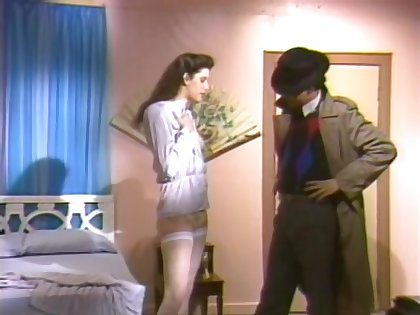 Shoot nearly Thrill (1988). Scene 2. Siobhan Hunter