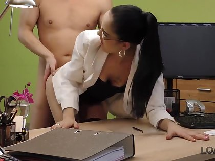 Elis is a cock loving night who has managed to get fucked unagitated during a job devote