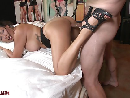 Amateur recorded when riding someone's skin big stick equivalent to a call-girl