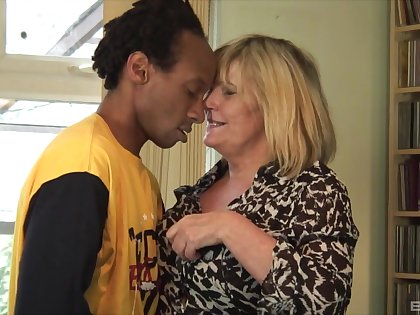 Exploitive granny wanted around be fucked by a younger black gentleman
