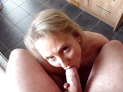 Sucking Lovelly Hard Cock - TacAmateurs