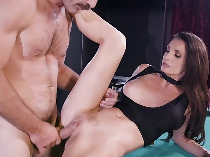 Unsatisfied brunette MILF cheats on husband forth sound guy