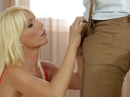 Sexy blondie Tiffany Rousso moans not later than nice fucking with her man