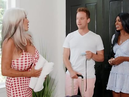 Hotel owner is horny back an increment of wants sex back the interracial couple